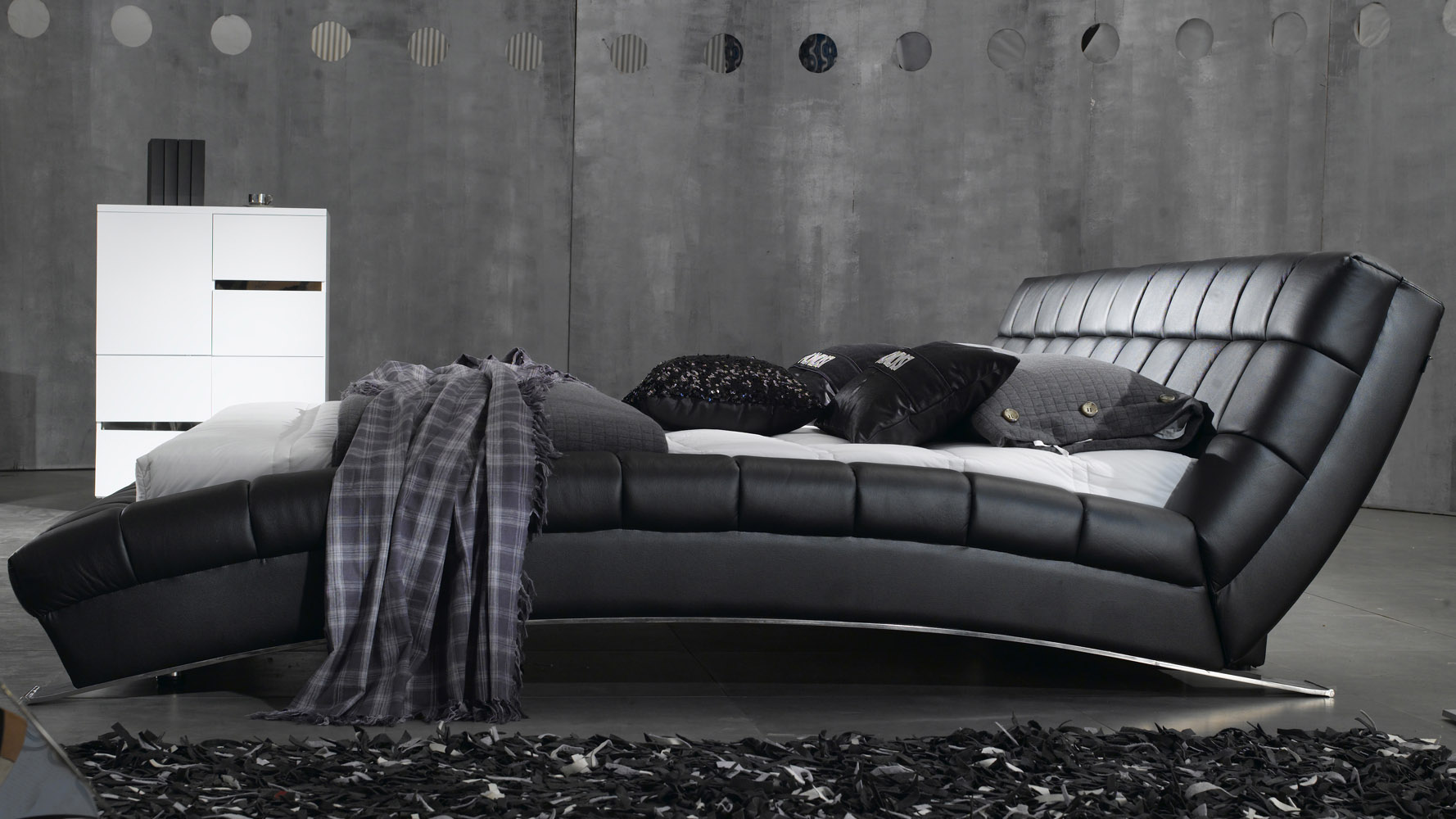 adonis black tufted leather platform bed  zuri furniture - mouse over image to zoom or click to view larger