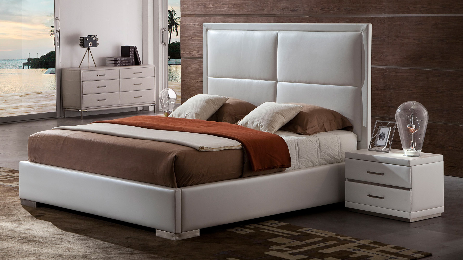 Aries White Leather Platform Bed | Zuri Furniture