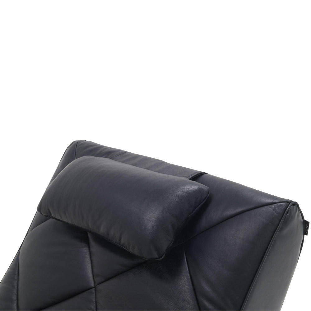 Bruce leather lounge chaise black zuri furniture for Chaise lounge black leather
