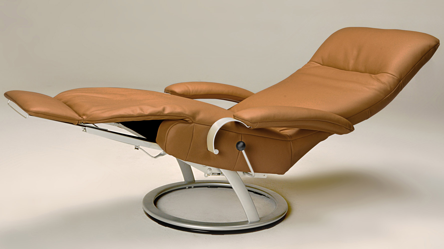 Kiri Leather Adjustable Reclining Chair Zuri Furniture