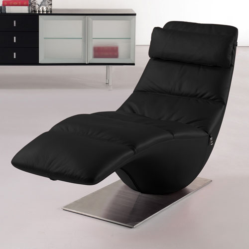 Zola black leather contemporary lounge chaise zuri furniture for Black leather chaise