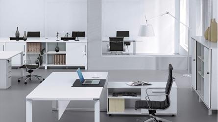 White Lacquer 71 Quot Delano Executive Desk Zuri Furniture